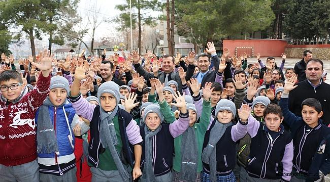 EĞİTİMCİ BAŞKAN'DAN EĞİTİME DESTEĞE DEVAM