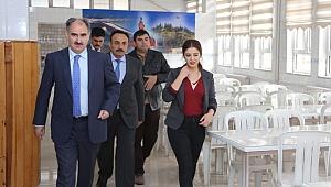 Vali Özkan Okulları Ziyaret Ediyor