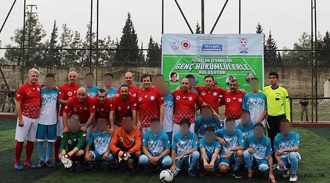 Futbolun Efsaneleri Genç Mahkumlarla Buluştu