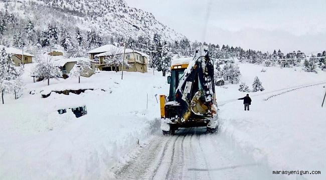 Yoğun Kar Yağışı Nedeniyle Onikişubat Belediyesi İş Başında