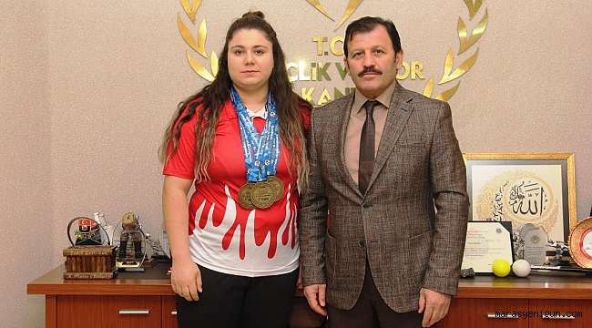 Milli Halterci Melike Günal Avrupa Şampiyonu