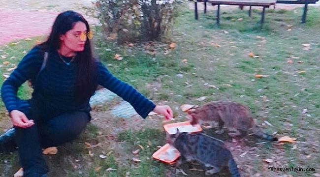 Pınar Öğretmenin Hayvan sevgisi görenleri imrendiriyor!