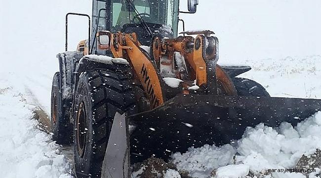 Kahramanmaraş'ta Kar Mesaisi Başladı