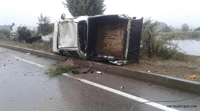 Refüje Devrilen Hafif Ticari Aracın Sürücüsü Yaralandı