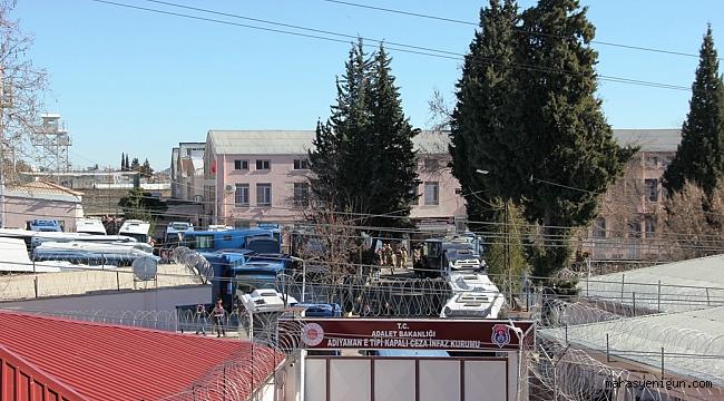 Depremde Hasar Gören Cezaevi Boşaltılıyor