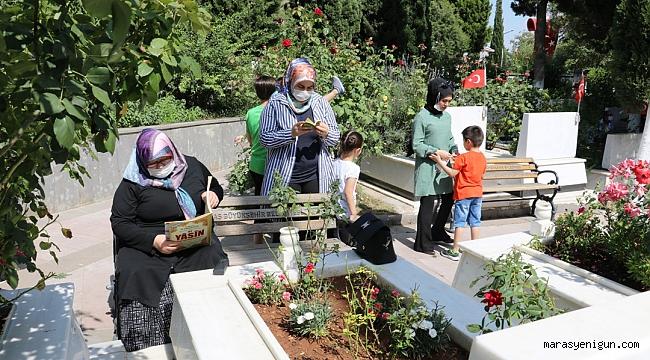 Şehit Çocukları Her Babalar Günü'nde Şehitliği Ziyaret Ediyor