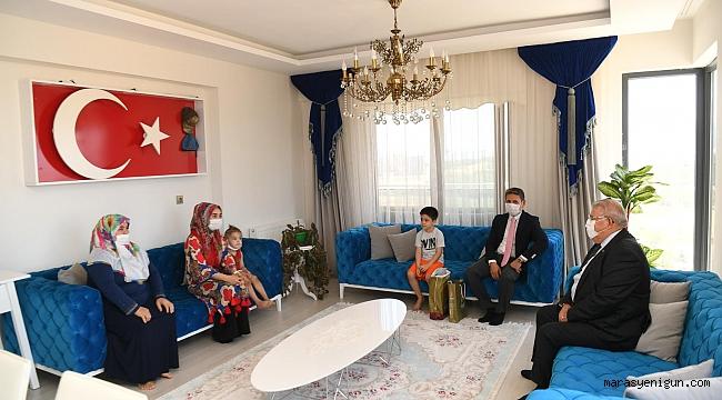 Başkan Mahçiçek, Bu Bayramda Şehit Ailelerini Unutmadı