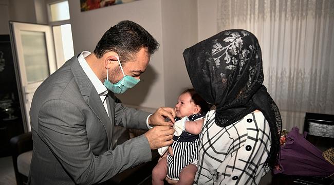 Ahmet Melih Bebeğin İlk Altını Elbistan Belediyesi'nden