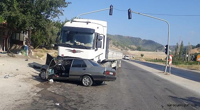 Tır İle Otomobil Çarpıştı: 2 Yaralı