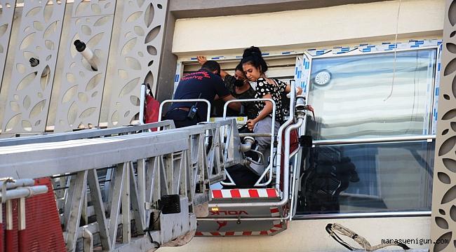 Kocasının Eve Kilitlediği Kadın İle Arkadaşını İtfaiye Kurtardı