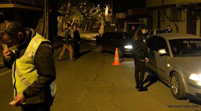 Dur İhtarına Karşı Otomobili Polis Ekiplerinin Üzerine Sürdü