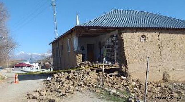 Kahramanmaraş'ta Evi Yıkılan Aile Yardım Bekliyor