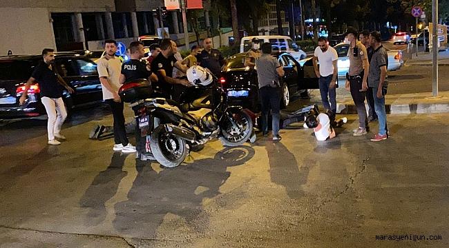 Dur' İhtarına Uymadı Kaçarken Polis Memurunu Otomobille Sürükledi