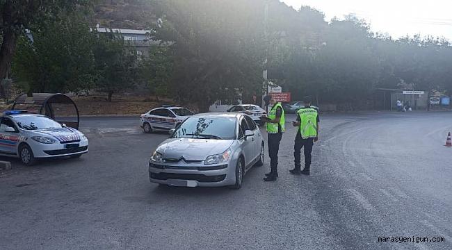 Trafikte Cep Telefonu Kullanan 48 Sürücüye 37 Bin Tl Ceza Kesildi