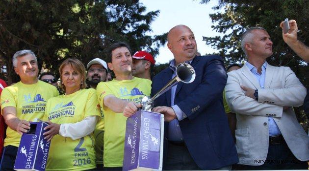Turkcell Gelibolu Maratonu'nda 6 bin kişi barış için koştu