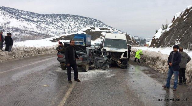 Yolcu Minibüsü İle Otomobil Çarpıştı: 1 Ölü, 6 Yaralı