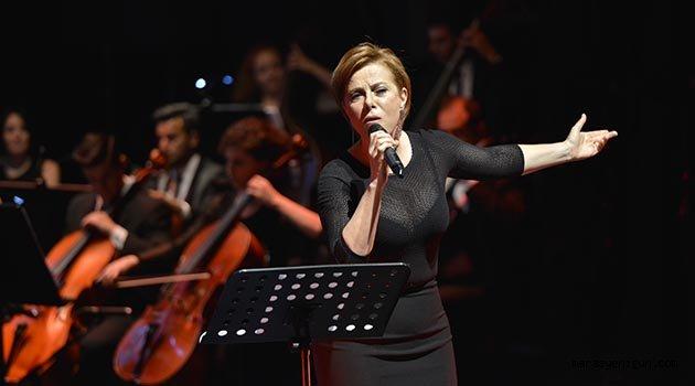 Zuhal Olcay Festival Açılışında Bursalıları Büyüledi